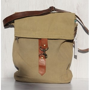 Plain Khaki, Messenger Bag with two Zippers